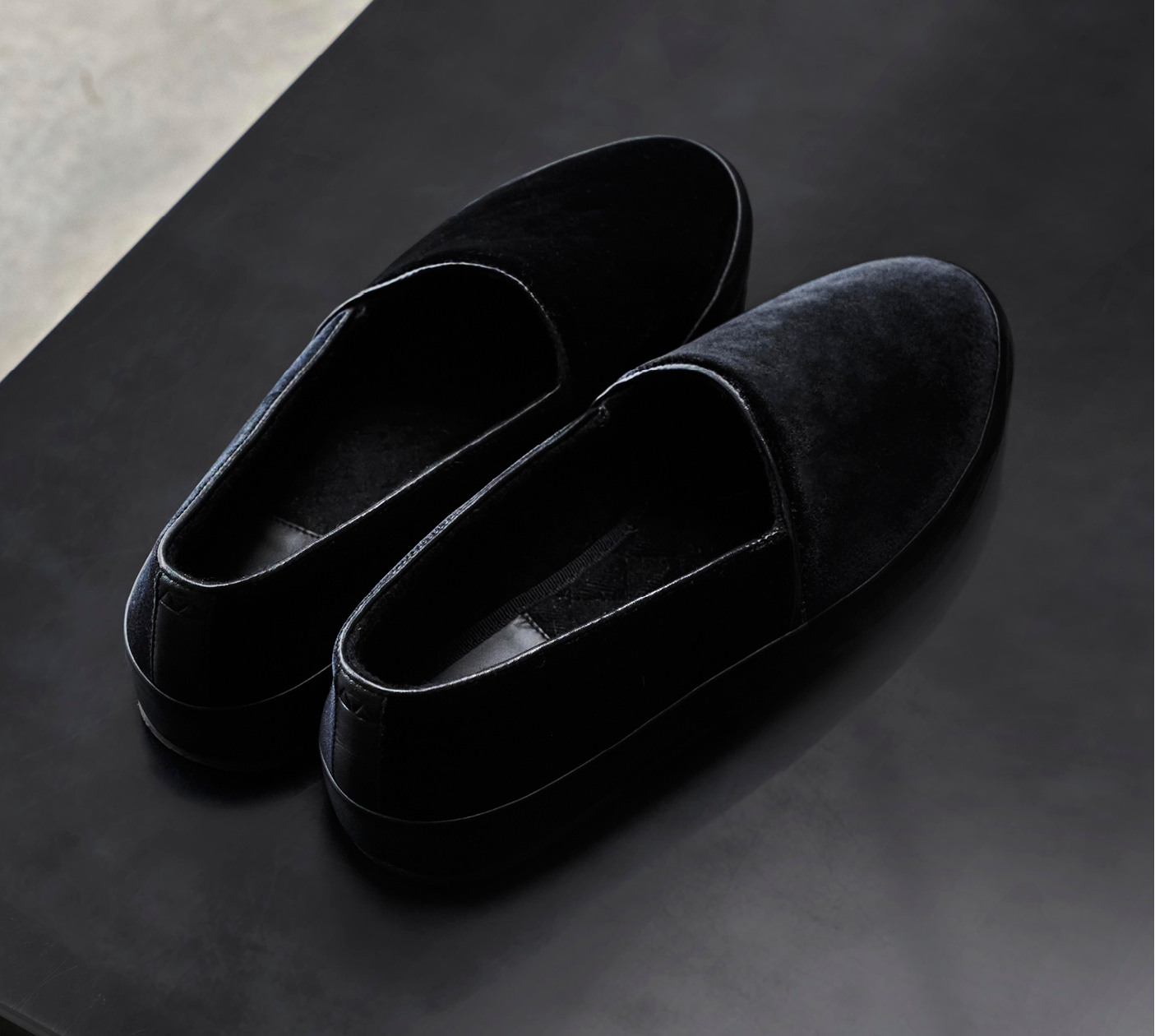 Velvet Black Mens Slippers