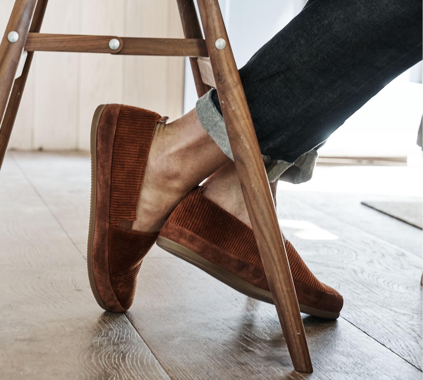 New Mens Slippers - Cognac Corduroy House Shoes