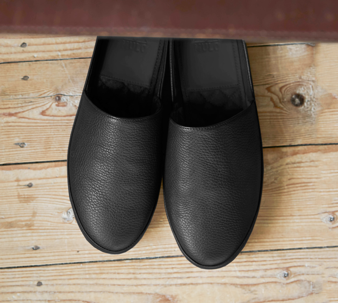 Black Leather Mens Slippers
